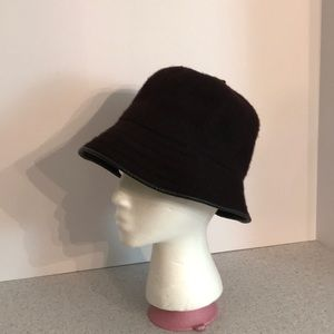 Vintage black wool blend bucket hat - leather trim